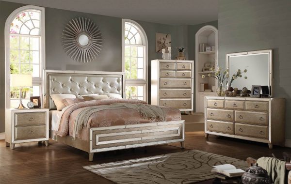 Acme Voeville Antique White Mirrored bedroom Set