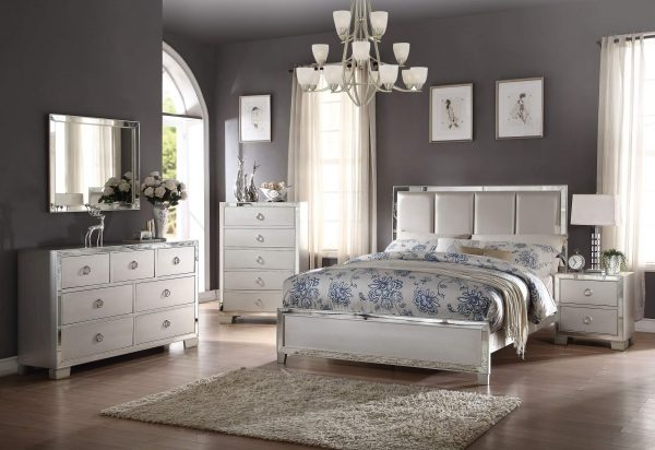 Acme Voeville II Platinum Panel Bedroom Set